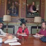 La vicepresidenta de la Diputación Jacinta Monroy se reúne con la Fundación de Mayores