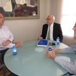 El alcalde recibe al secretario provincial de Comisiones Obreras