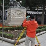 Los trabajos sobre la Plaza Cervantes comienzan con un estudio topográfico