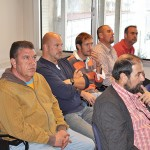 Los grupos políticos se reiteran en sus discrepancias delante de los trabajadores afectados por las remunicipalizaciones