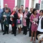 Puertollano: El color rosa de la solidaridad en el monumento al minero y Museo Municipal