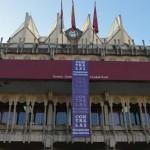 """Ciudad Real: La pancarta """"contra las violencias machistas"""" cuelga ya del balcón del Ayuntamiento"""