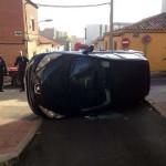 Puertollano: Espectacular vuelco de un vehículo se salda con una persona herida