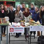 Los alumnos de FP del Colegio Hermano Gárate apelan a la solidaridad para ayudar a los más necesitados