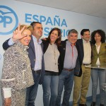 El PP celebra ser la fuerza política más votada y el «gran éxito» de mantener los tres diputados