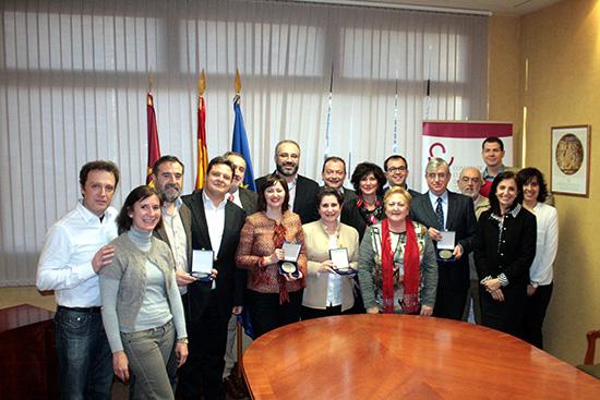 COFCAM-el-Consejo-actual-y-los-distinguidos-con-las-medallas-1