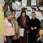 Los zapatos rojos de Feminismos Ciudad Real comienzan en el Torreón del Alcázar su periplo por los institutos