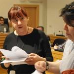 Hinojosa asegura que no se están cortando los suministros a las familias necesitadas