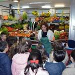 Escolares del Colegio San José conocen los diferentes productos del Mercado Municipal de Ciudad Real