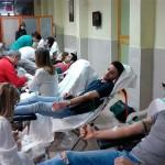 Más de ochenta personas acuden a donar sangre al Colegio Hermano Gárate