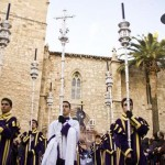 Ciudad Real: Los costaleros del Nazareno regalan un nuevo monte de flores para celebrar su 75 aniversario