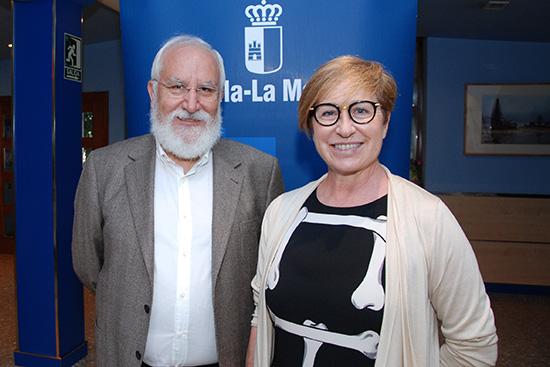 El-Director-del-ICS,-Juan-Atenza,-y-La-Directora-General-de-Planificación,-Ordenación-e-Inspección-Sanitaria,-María-Teresa-Marín