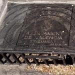 """Sobre las tapas de alcantarilla de Valencia: """"lo cierto es que ha llovido y la Ronda no se inundó"""""""