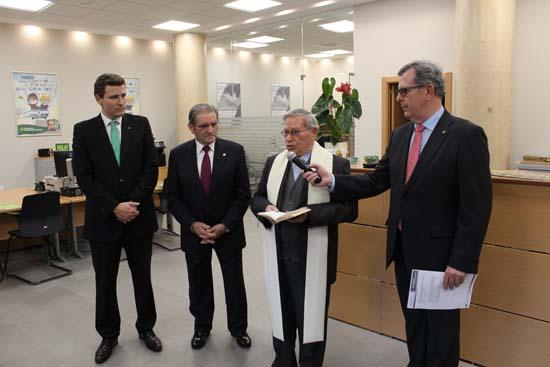 Caja rural castilla la mancha inaugura su primera oficina for Oficinas de caja rural en madrid
