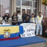 Ciudadrealeños de Ecuador salen a la calle a pedir ayuda para los damnificados por el terremoto