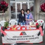 Aedemcr sale a la calle el Día Mundial de la Esclerosis Múltiple: «Es lo que hay, nos ha tocado, pero no renunciamos a nuestras metas y sueños»