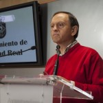 Clavero responde al PP que debería denunciar a Rosa Romero por no haber licitado el contratode limpieza de colegios