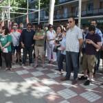 """Profesores interinos reclaman a las puertas de la Delegación de Educación el fin de las """"injusticias"""" laborales que padecen"""