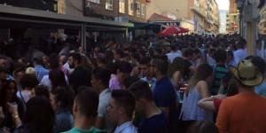 Fiesta en la calle Numancia de Puertollano durante el Día de Castilla-La Mancha