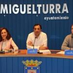 PP, IU-Ganemos y Ciudadanos proponen llevar a los tribunales las posibles irregularidades en las retribuciones de la alcaldesa pedánea de Peralvillo