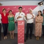 El PSOE se conforta con el resultado en escaños pese a la pérdida de votos