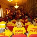 Bomberos de Emergencia Ciudad Real vuelven a concentrarse ante la Diputación y acceden al Pleno