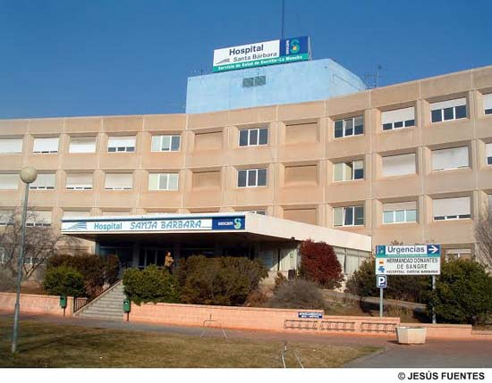Puertollano (Ciudad Real), 21/02/07.- Panorámica de la fachada principal del Hospital de Puertollano (Ciudad Real). Foto: Jesús Fuentes.
