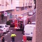 El fuego en un macetero alarma a los vecinos de la calle Altagracia