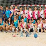 El Ayuntamiento felicita a los cuatro aldeanos que han participado en el Campeonato de España de Balonmano Playa