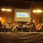 Miles de personas abarrotan la Plaza Mayor en el ciclo especial de conciertos de Feria de la Filarmónica Beethoven