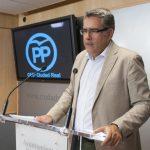El PP pide un protocolo de actuación que proteja de agresiones a los trabajadores municipales