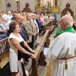 El sacerdote Antonio Astillero recibe el homenaje de la Corporación en el acto del Daimieleño Ausente