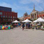 El Quijote despliega sus talleres a beneficio de Afanion en la Plaza de la Constitución