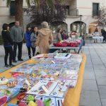 Niños de Poblete regalan una segunda oportunidad a sus libros, juegos y muñecos
