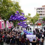 Puertollano rechaza la violencia de género con palabras y suelta de globos