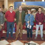 Varios grupos se suman a la iniciativa de cantar villancicos en el Belén Municipal