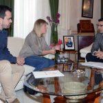La alcaldesa de Tomelloso le presenta a Caballero el Proyecto Antonio López Torres