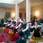 El Grupo de María José Melero, Mazantini y La Borriquita de Montoro cantan villancicos en el Belén Municipal