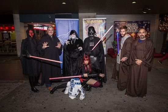 Cosplay de la Asociación Viñeta durante el estreno de 'El despertar de la Fuerza'. Foto: JR García-Carpintero