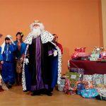 Los Reyes Magos visitan La Poblachuela cargados de regalos antes de poner rumbo a Oriente