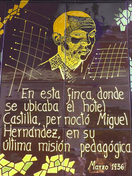 Placa a Miguel Hernández en Puertollano