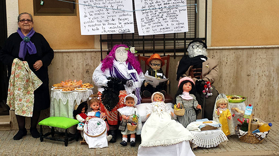 Calzada_peleles_3_mayor_con_muñecas