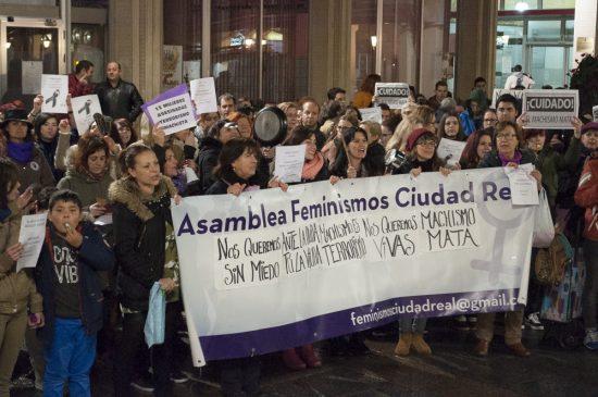 Manifestación contra la violencia machista 14