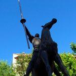 El caso de la estatua desaparecida (8)