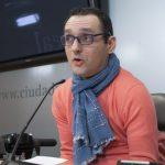 """Eneraldo Romano (PP) advierte de que al Ayuntamiento """"le va a pillar el toro"""" en materia de accesibilidad"""