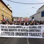 Cerca de 3.000 personas cortan la N-430 en Puebla de Don Rodrigo pidiendo una «Nacional digna y segura»