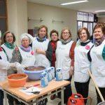 Puertollano: Voces locales y sevillanas en la chocolatada contra el cáncer en la barriada Santa Ana