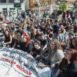 Los estudiantes tiran de una huelga educativa con baja participación del profesorado