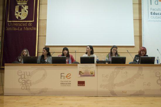 Mesa Redonda Educación Mujeres Gitanas 2