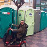 El PP reclama baños públicos accesibles